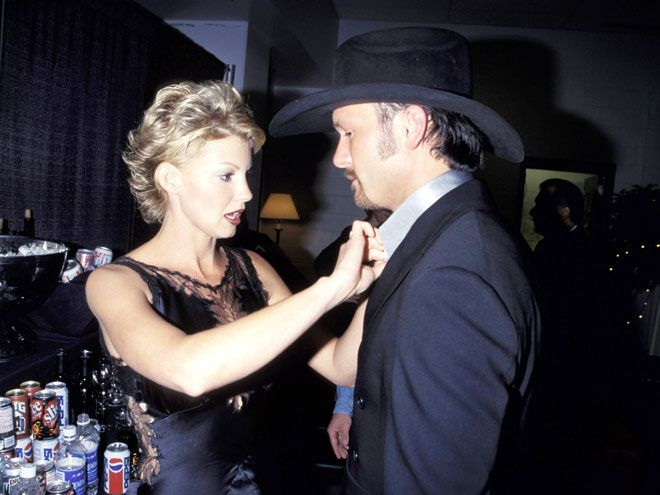 What started as just a tour quickly turned into something more for Faith Hill and Tim McGraw, who fell for each other ...