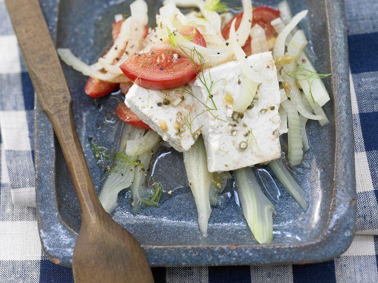 Marinierter Tofu - mit Fenchel-Tomaten-Gemüse - smarter - Kalorien: 98 Kcal - Zeit: 15 Min. | eatsmarter.de