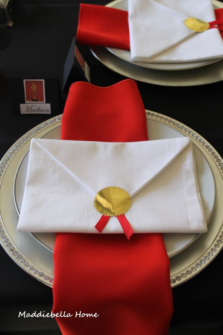 Red Carpet Hollywood Party place setting...  https://www.djpeter.co.za