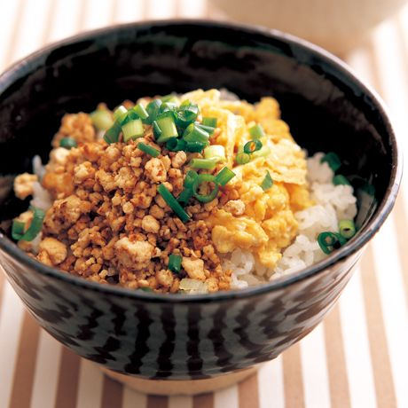豆腐そぼろ丼 | 牧野直子さんのどんぶりの料理レシピ | プロの簡単料理レシピはレタスクラブニュース