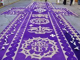 Los católicos de Ciudad de Guatemala, récord Guinness con su alfombra de serrín de Jueves Santo - ReL