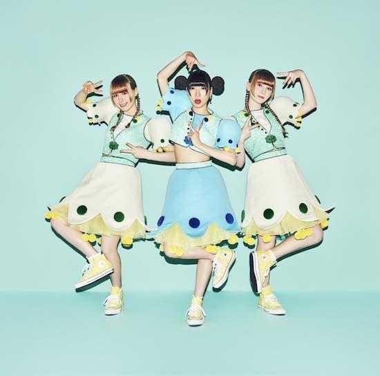 でんぱ組.incのピンキー!こと藤咲彩音と、 日本のアイドルシーンに憧れてフィンランドからやって来た「ノーラ&ペトラ」による新グループ「ピンキー!ノーラ&ペトラ」が発足された。