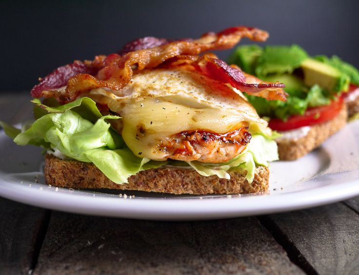 ... bacon and tomato slices, fresh bib lettuce, fried egg and pepper jack