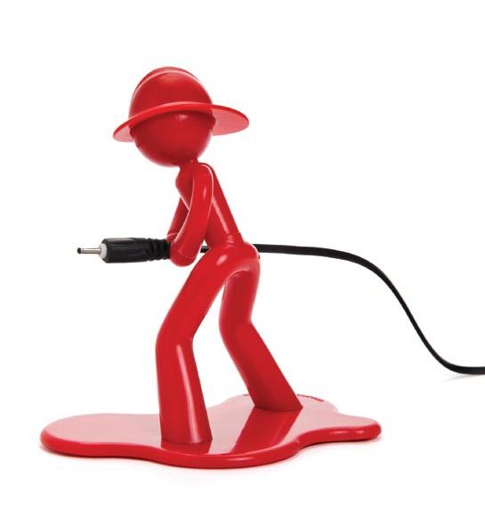 ¿El cable del cargador de tu celular se cae una y otra vez al piso? Entonces, Charging Charlie te dará una mano y apagará esa emergencia. Hecho en plástico. $11900
