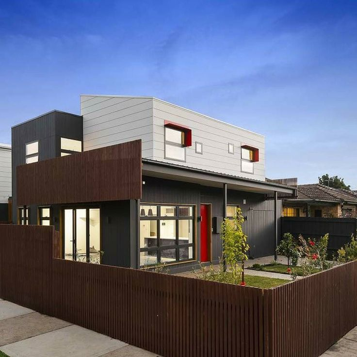 Bright pops of colour make this multiresidential home stand outby @ zaas_homes  #australianarchitecture #architecture #exterior #exteriordesign #scyonwalls