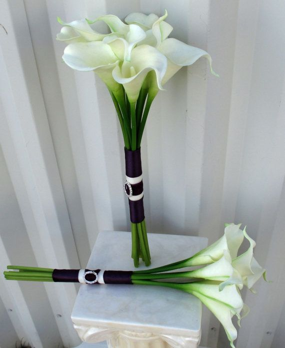 Simple Lily Bridal Bouquet : Best ideas about calla lily wedding on