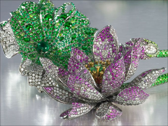 Anna Hu of Haute Joaillerie designs for some pretty high class celebrities (and a queen)