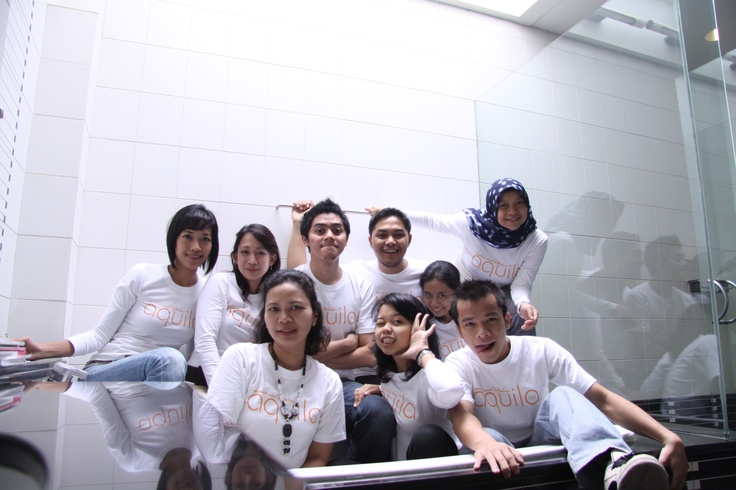 Yes we love our bathtub! (Back: L-R) Liana, Erica, Arry, Dito, Sri. (Front: L-R) Lina, Dames, Nonny, Sugi
