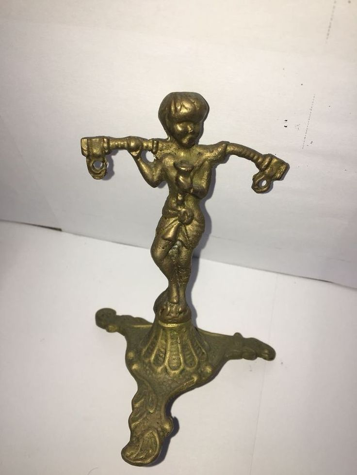 vintage europen art deco solid brass angle statuette Very beautiful 1900-1940