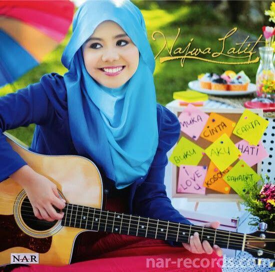 Hijab cantik ( najwa latif)