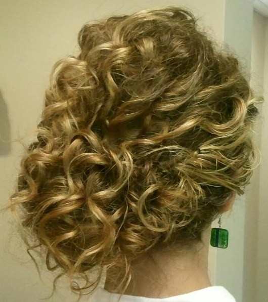 curly side bun, not as curly though
