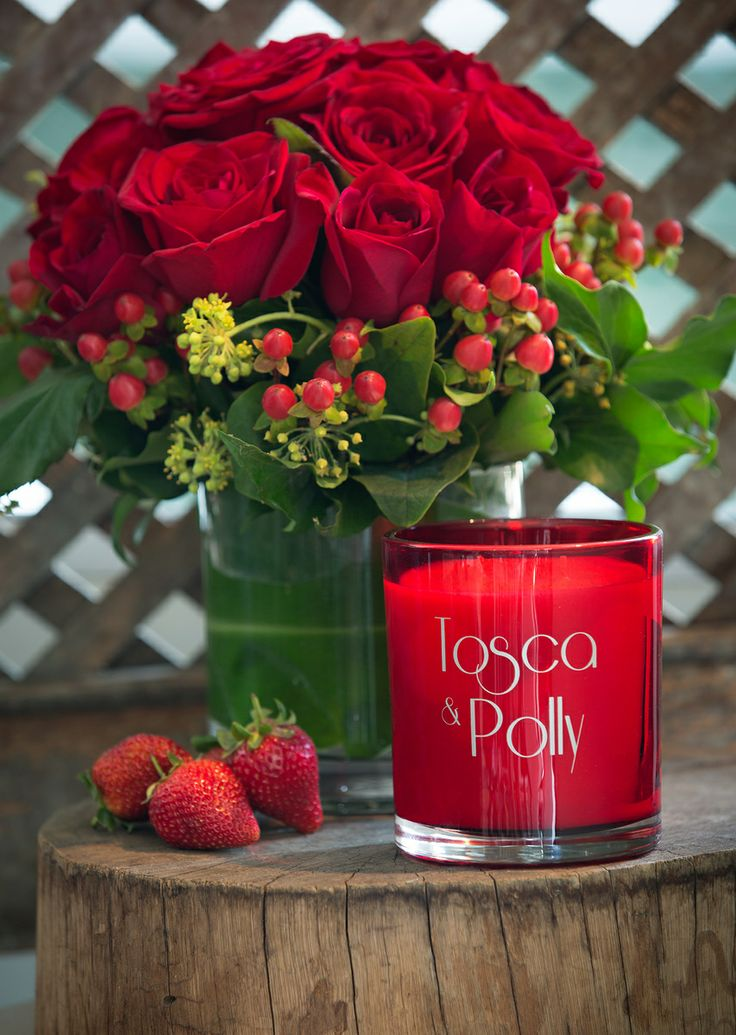 BE MY VALENTINE Tosca & Polly Luxury scented Candles - Lifestyle - opaque red vessel - 440g - up to 80 hour burn