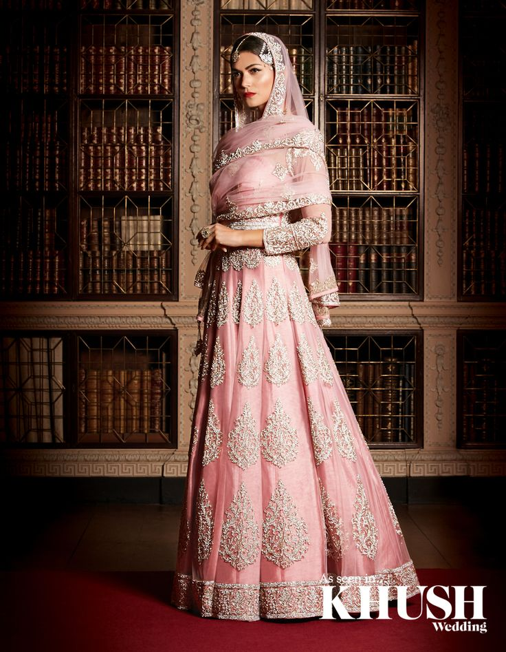 Be pretty in pink with a lehenga gown by Zarkan of London East Shopping Centre, Green Street Unit 12, 232-236, Green Street, E7 8LE +44(0)20 3598 5488 info@zarkanoflondon.com www.zarkanoflondon.com Hair & Makeup: NoreenMakeup Jewellery: Anees Malik Location: Blenheim Palace