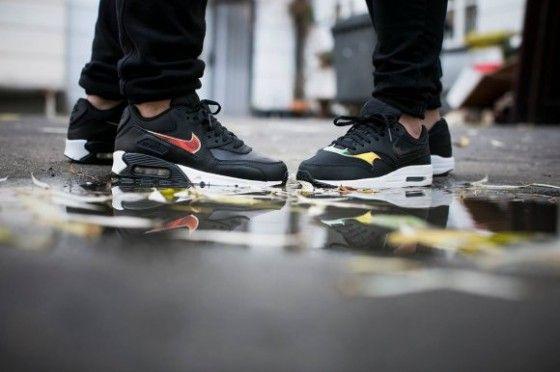 Nike Air Max 1 GS Iridescent Black Pack