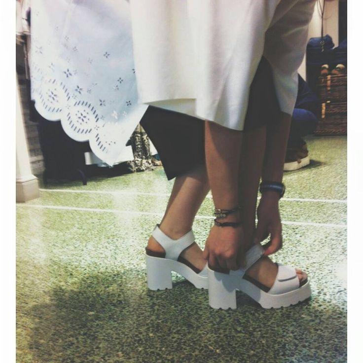 White Mood   Antonella Boutique #white #miista #sandals #minkpink #kimono #AntonellaBoutique