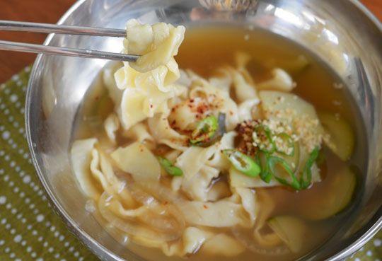 Recipe: Yachae Kalguksu (Korean Knife Noodles with Vegetables) Recipes ...