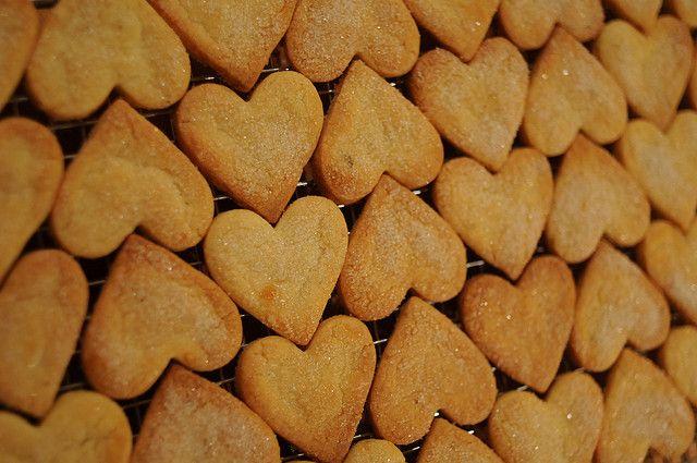 La ricetta facile e veloce per preparare in casa i biscotti di kamut senza uova