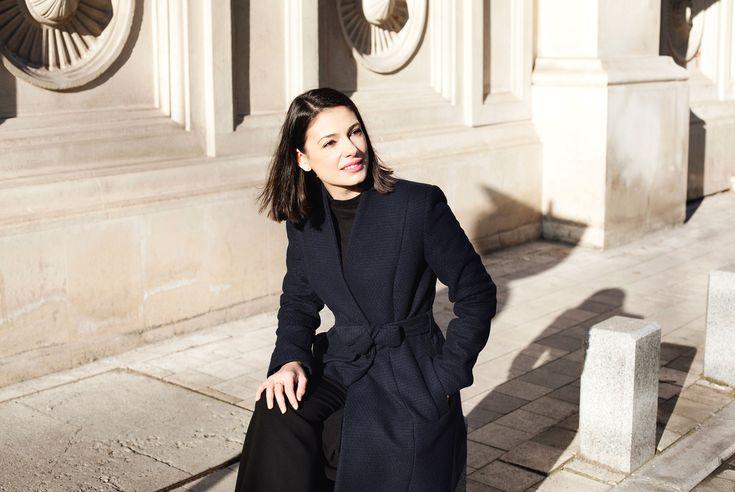 French inspiration * winter coat #iuliaverdes #actress www.deilanistore.com