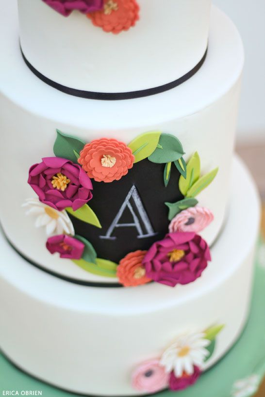 love seeing these trends translated into cake!  |  Edible chalkboard art and 'paper' flowers cake | by Erica OBrien for TheCakeBlog.com