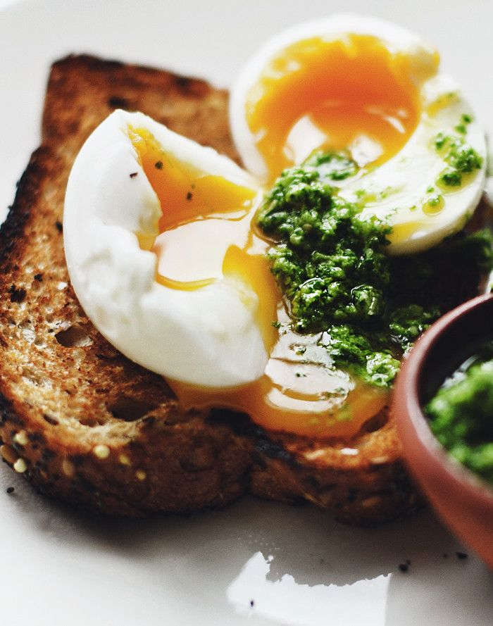 Egg and pesto on toast