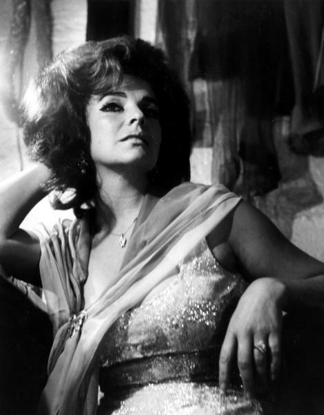 Burlesque dancer Blaze Starr dies at 83 http://www.baltimoresun.com/news/obituaries/bs-md-ob-blaze-starr-20150615-story.html