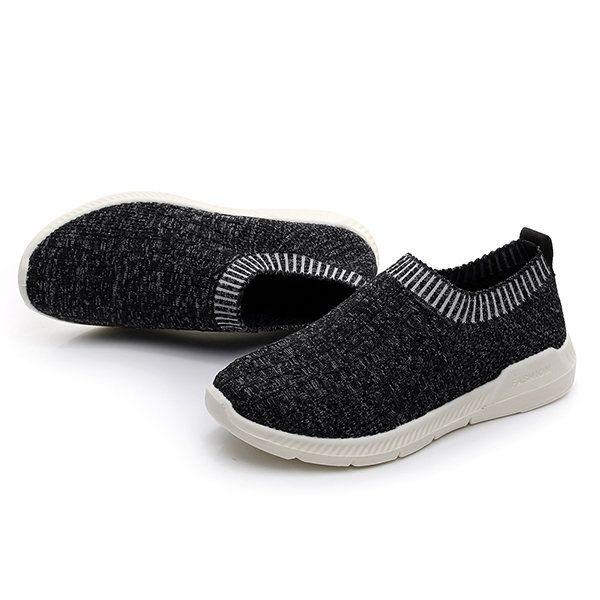 Deslizamiento de malla transpirable en los zapatos planos casuales suaves