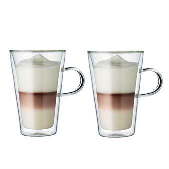 Geniet van uw koffie of thee in een klassieker van Bodum. Het Canteen dubbellaags glas heeft een stijlvol ontwerp en is ook nog eens erg functioneel! Het heeft mondgeblazen wanden van borosilicaat glas met geweldige isolatie eigenschappen, dat het glas geschikt maakt voor zowel warme en koude dranken. Het glas houdt warme dranken warm, zonder dat u uw vingers brandt en koude dranken blijven op temperatuur zonder condensatie! Een veelzijdig glas voor elke gelegenheid!
