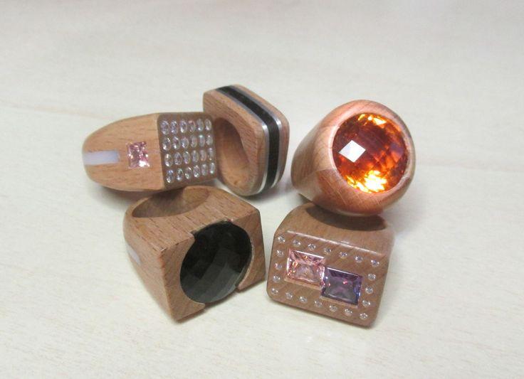 http://www.wood-of.com/it/ Anelli in legno con Pietre Naturali e Idrotermali