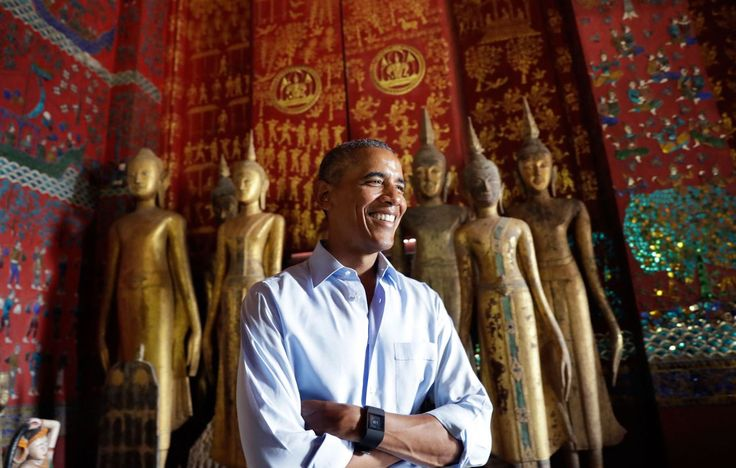 President Barack Obama pauses in the Ho Raj Rod, or Carriage House, as he tours the Wat Xieng Thong Buddhist Temple in Luang Prabang, Laos, Wednesday, Sept. 7, 2016. (Photo: Carolyn Kaster/AP)</p>