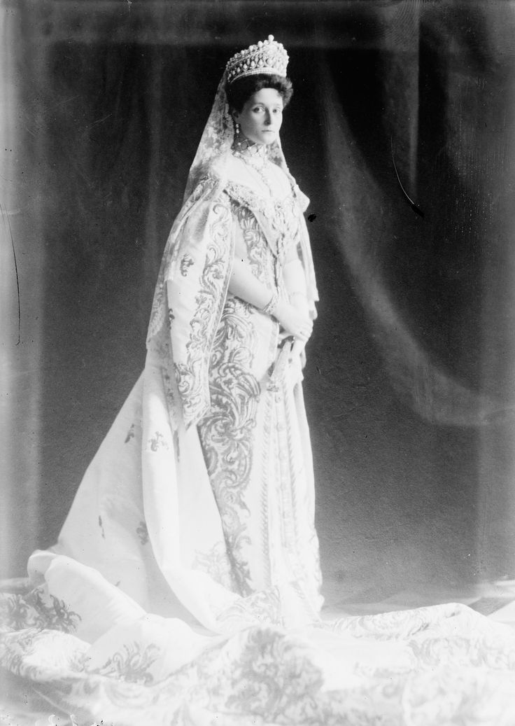 https://flic.kr/p/omfqRi | HIM ALEXANDRA FJODOROVNA EMPRESS OF ALL RUSSIAS | haughty she was