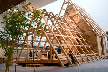 The frame of a wooden structure designed for temporary housing in quake-hit areas (Photo by The Asahi Shimbun)