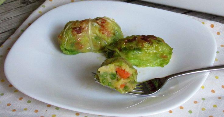 Come preparare gli involtini di verza con verdure al forno, secondo vegetariano facile, gustoso ed economico con verdure miste e senza uova