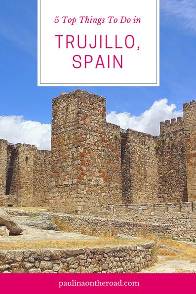What to do in Trujillo, Extremadura (Spain)? From its stunning Plaza Mayor, impressive history of conquistador of Peru Pizarro. Where to stay, Best places to eat and to visit. #trujillo #extremadura #spain