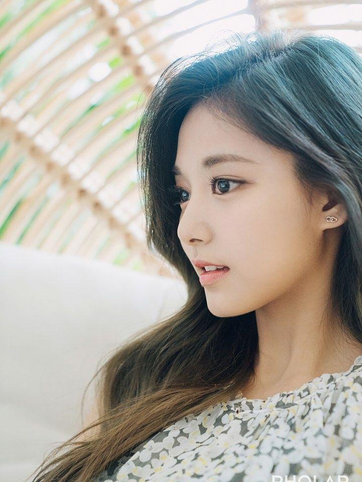 LEEJUNGJIN's 이정진X쯔위 album on PHOLAR