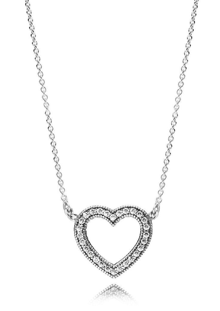 Pandora 'Loving Hearts' 590534CZ-45. Een echt Valentijnscadeau maar ook op een ander speciaal moment heel mooi om te geven deze Loving Hearts van Pandora. Een collier van 45 cm met daaraan een hart waarvan de rand is gevuld met zirkonia's. https://www.timefortrends.nl/sieraden/pandora/ketting.html