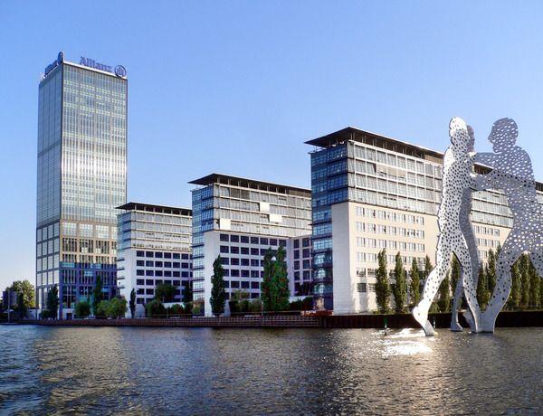 Berlin sculpture
