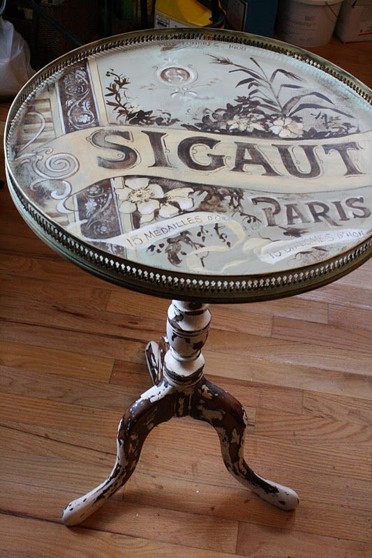 Annie Sloan chalk paint: a beautiful Before and After hand-painted side-table.
