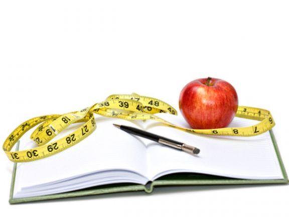 Kann ein Ernährungstagebuch helfen, bewusster zu essen? ist ein Artikel mit neusten Informationen zu einem gesunden Lebensstil. Auch die anderen Artikel von EAT SMARTER bieten Neuigkeiten zu den Themen Ernährung, Gesundheit und Abnehmen.