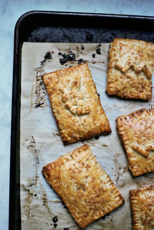 concord grape hand pies
