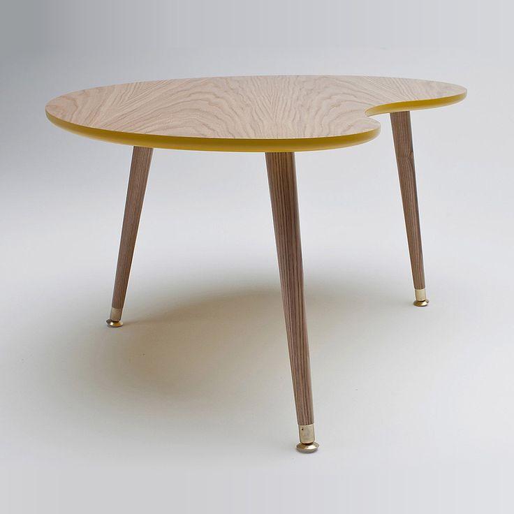 Журнальный стол «Почка» дерево/горчичный