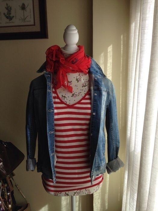 Mi Camiseta de rayas rojas de MASSIMO DUTTI! Talla 42 / 14 / L por 14,00 €. Echa un vistazo: http://www.vinted.es/ropa-de-mujer/camisetas-de-tubo-estrechas/204751-camiseta-de-rayas-rojas.