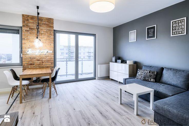 KAWALERKA - Średni salon z jadalnią z tarasem / balkonem, styl skandynawski - zdjęcie od Partner Design