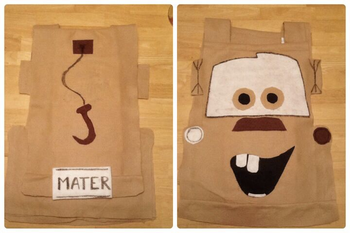 Mater costume from felt. Super easy to make. You need just felt, glue gun and blank fabric marker. It's a poncho so even kids who don't want to wear hats, hoodies and costumes like mine loves to wear it.