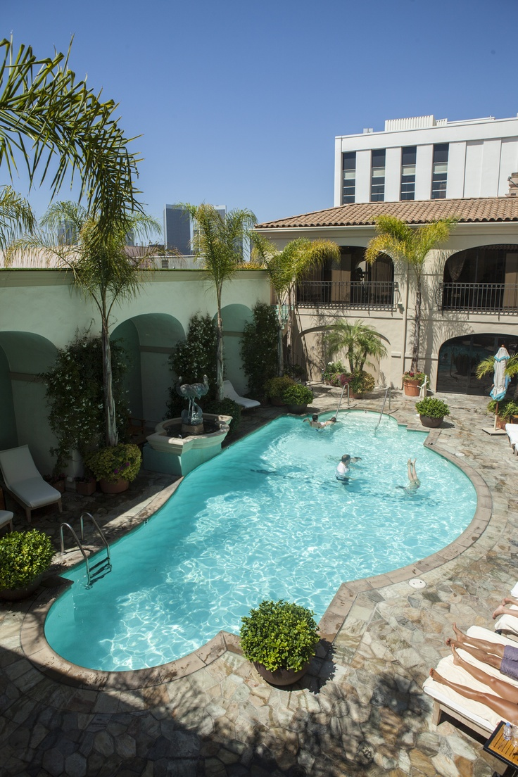 Our pool is the perfect spot to enjoy a day-cation on a sunny #LA day