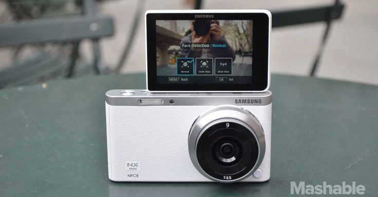 The slim and compact Samsung NX Mini might be the ultimate selfie-taking machine, but there are some shortcomings.