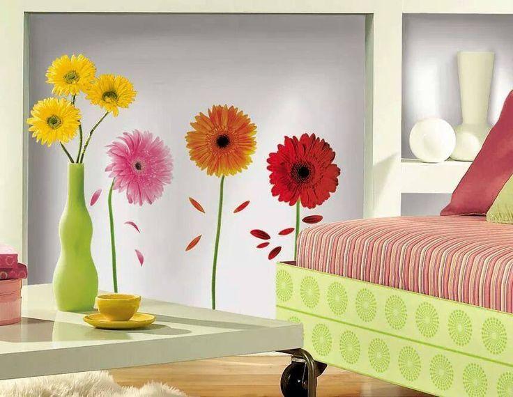 Adauga un strop de culoare peretilor din locuinta ta cu ajutorul stickerului Gerber Daisies!
