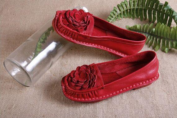 He encontrado este interesante anuncio de Etsy en https://www.etsy.com/es/listing/195339707/2-colors-handmade-women-leather-shoes