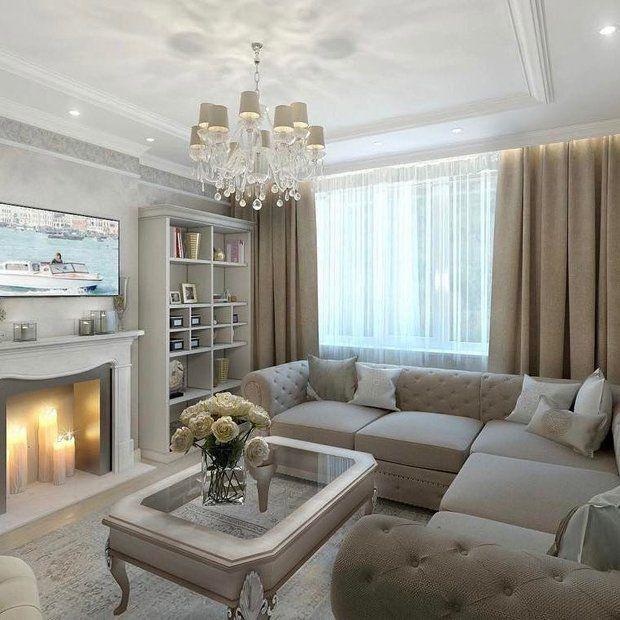 красивая светлая гостиная с камином