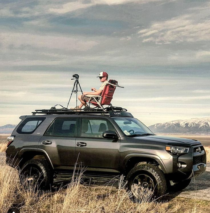 Staying on the topic of photography from the roof of your #overland vehicle...here is a great submission from @mikksup with his #toyota #4runner by expeditionportal