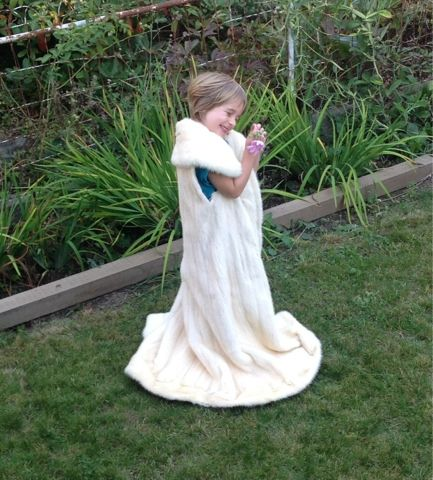 Re-Classified Purses etc.: Antique White Mink Fur Coat - what can you do with...
